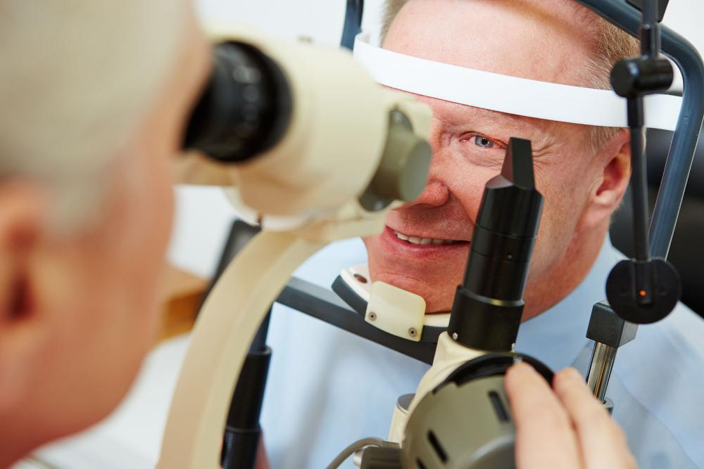 Man receiving glaucoma exam in Winnipeg