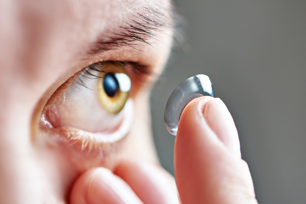 hard to fit contact lens